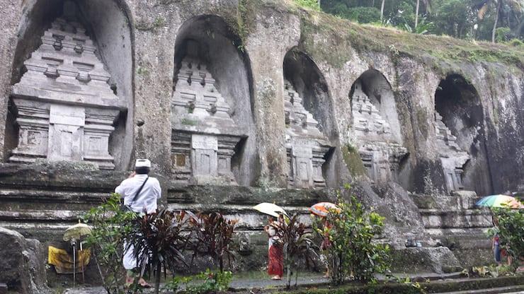 tempel Guning Kawi