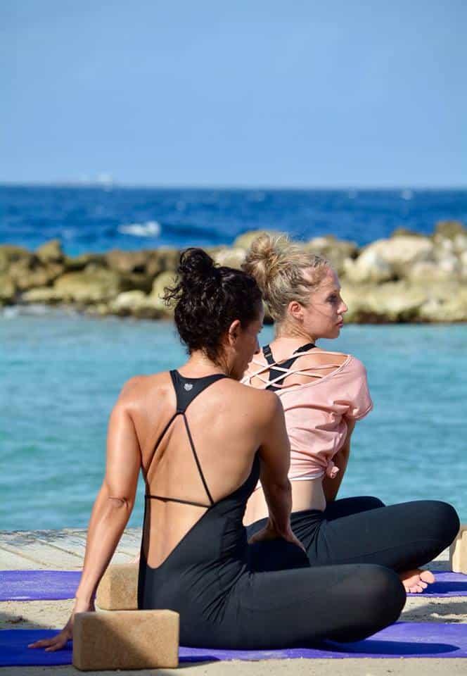 power yoga strand curaçao
